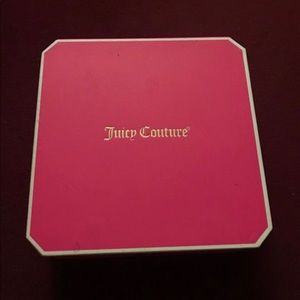 Juicy couture necklace and bracelet set